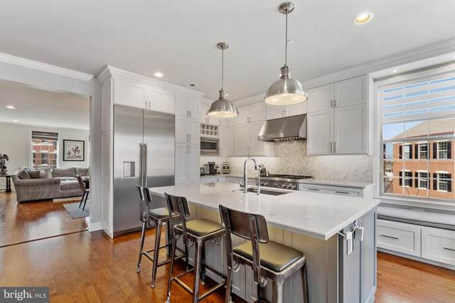 702 Captains Way, PHILADELPHIA, PA 19146 (MLS #PAPH1017002) :: Kiliszek Real Estate Experts