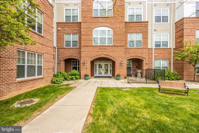 14241 Kings Crossing Boulevard #303, BOYDS, MD 20841 (#MDMC758312) :: Ultimate Selling Team
