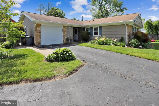 12729 Buckingham Drive, BOWIE, MD 20715 (#MDPG606512) :: The Vashist Group