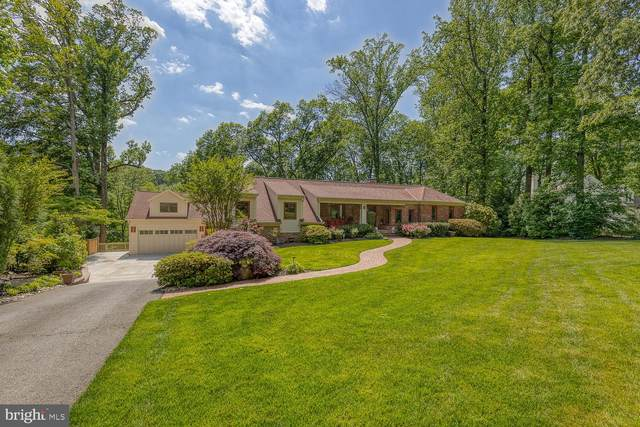 3257 Juniper Lane, FALLS CHURCH, VA 22044 (#VAFX1202080) :: Jennifer Mack Properties