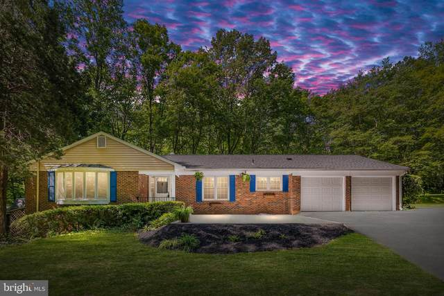 12215 Cliffwood Court, CLIFTON, VA 20124 (#VAFX1202130) :: The Piano Home Group