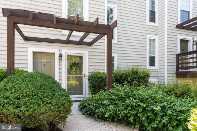 10036 Oakton Terrace Road, OAKTON, VA 22124 (#VAFX1202954) :: Bruce & Tanya and Associates