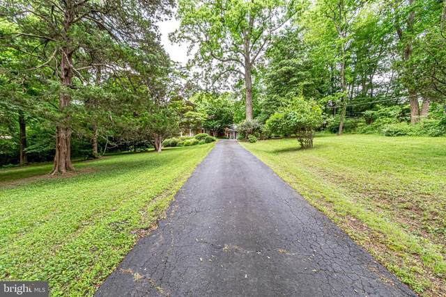 1343 Scotts Run Road, MCLEAN, VA 22102 (#VAFX1204108) :: AJ Team Realty