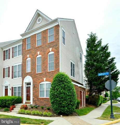25361 Shipley Terrace, CHANTILLY, VA 20152 (#VALO439740) :: The Piano Home Group