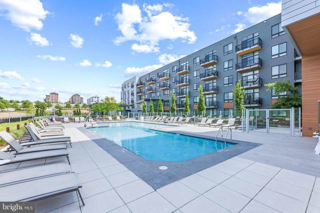145 Riverhaven Drive #353, OXON HILL, MD 20745 (#MDPG609022) :: City Smart Living