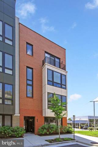 124 S Pickett Street #101, ALEXANDRIA, VA 22304 (#VAAX260800) :: Debbie Dogrul Associates - Long and Foster Real Estate