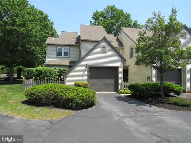 1 Woodlake Drive, MARLTON, NJ 08053 (#NJBL399570) :: Linda Dale Real Estate Experts