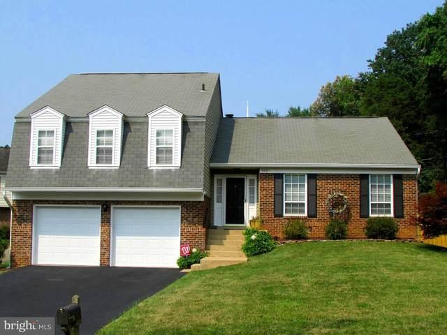 5081 Queens Wood Drive, BURKE, VA 22015 (#VAFX1207500) :: Tom & Cindy and Associates