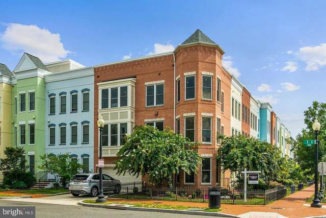 900 3RD Street SE, WASHINGTON, DC 20003 (#DCDC525926) :: Erik Hoferer & Associates