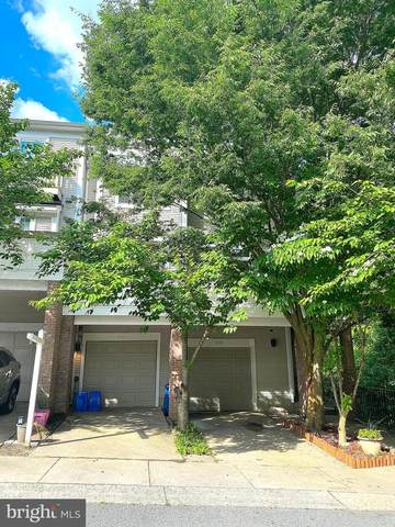 10303 Royal Woods Court, MONTGOMERY VILLAGE, MD 20886 (#MDMC763122) :: The Mike Coleman Team
