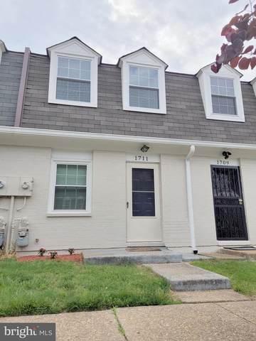 1711 Village Green Drive Z-32, LANDOVER, MD 20785 (#MDPG609718) :: Peter Knapp Realty Group