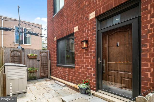 2030 South Street A, PHILADELPHIA, PA 19146 (#PAPH1026344) :: Mortensen Team