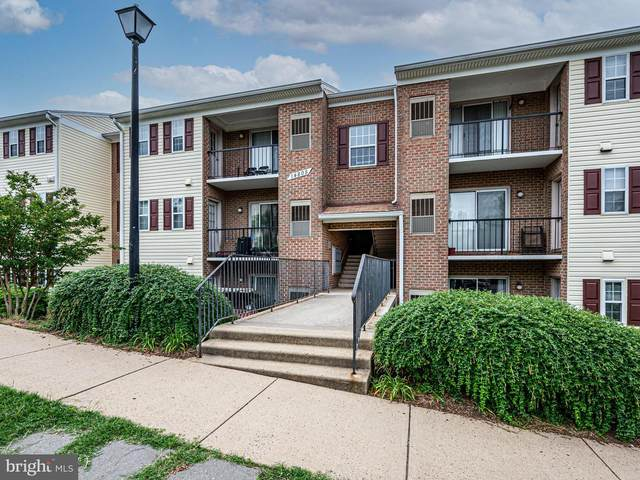14805 Rydell Road #102, CENTREVILLE, VA 20121 (#VAFX1208320) :: The Putnam Group