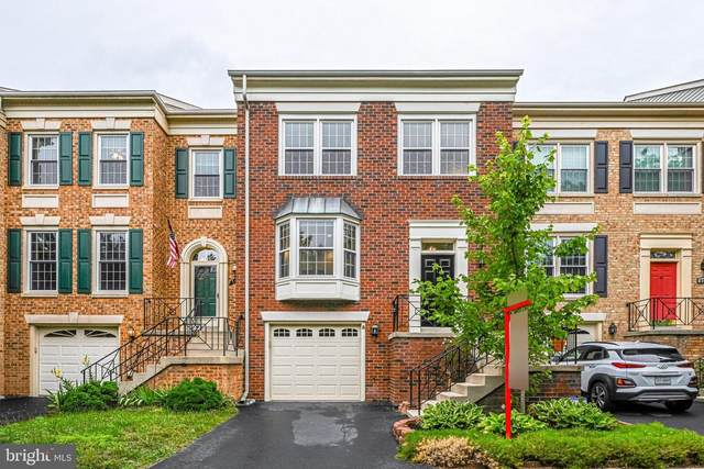 5136 Woodfield Drive, CENTREVILLE, VA 20120 (#VAFX1208380) :: The Mike Coleman Team