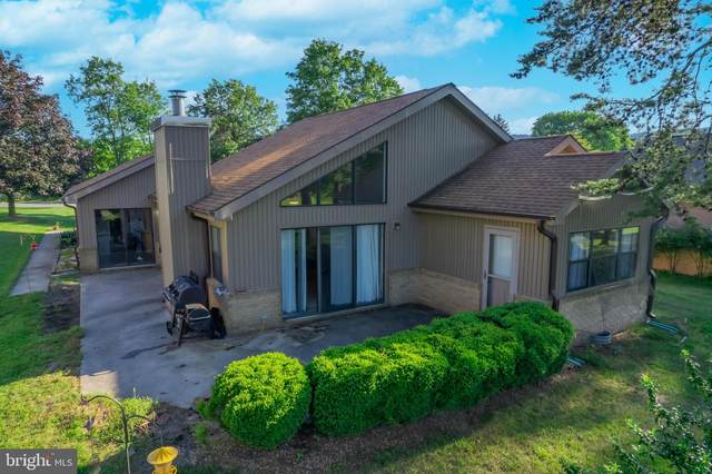 70 The Woods Road, HEDGESVILLE, WV 25427 (#WVBE186754) :: AJ Team Realty