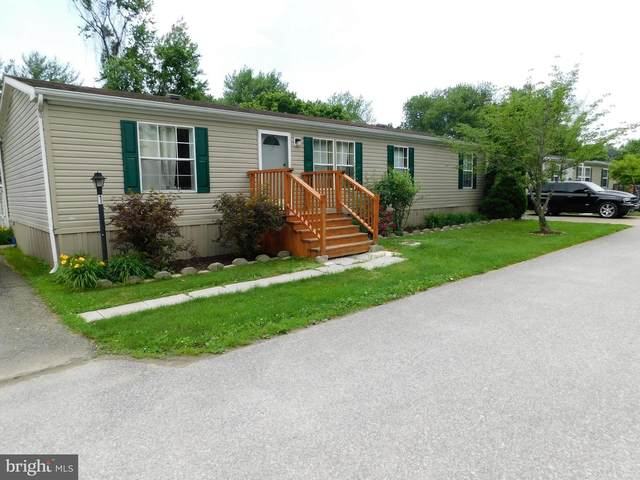 1 Silver Maple Way, WEST GROVE, PA 19390 (#PACT539244) :: The John Kriza Team