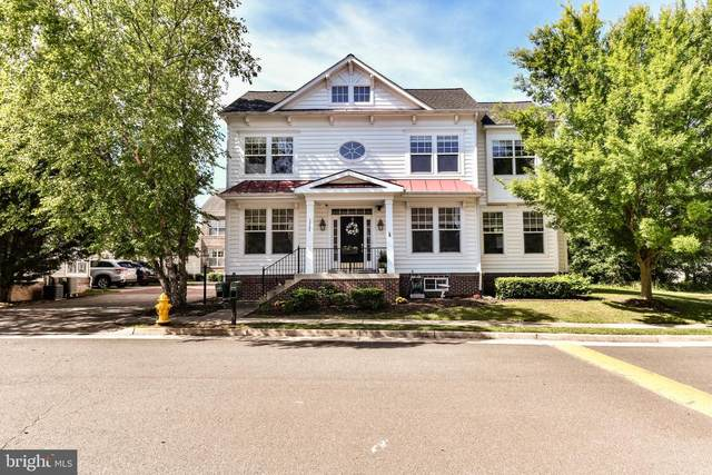 12789 Playfair Lane, BRISTOW, VA 20136 (#VAPW525620) :: Shamrock Realty Group, Inc