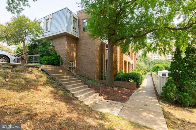 1761 S Hayes Street #1, ARLINGTON, VA 22202 (#VAAR183538) :: Nesbitt Realty