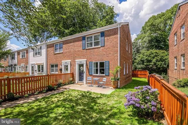 110 E Rosemont Avenue, ALEXANDRIA, VA 22301 (#VAAX261192) :: City Smart Living
