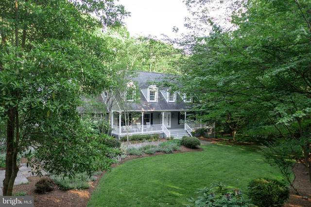 713 Clear Spring Road, GREAT FALLS, VA 22066 (#VAFX1209682) :: The Piano Home Group