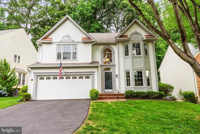 9112 Wood Pointe Way, FAIRFAX STATION, VA 22039 (#VAFX2000916) :: Debbie Dogrul Associates - Long and Foster Real Estate