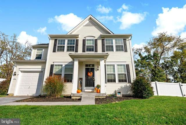 246 Avalon Trail, HEDGESVILLE, WV 25427 (#WVBE2000065) :: Shawn Little Team of Garceau Realty
