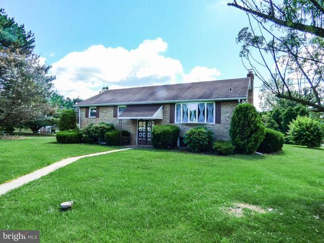 890 Witmer Road, YORK, PA 17406 (#PAYK2000238) :: The Schiff Home Team
