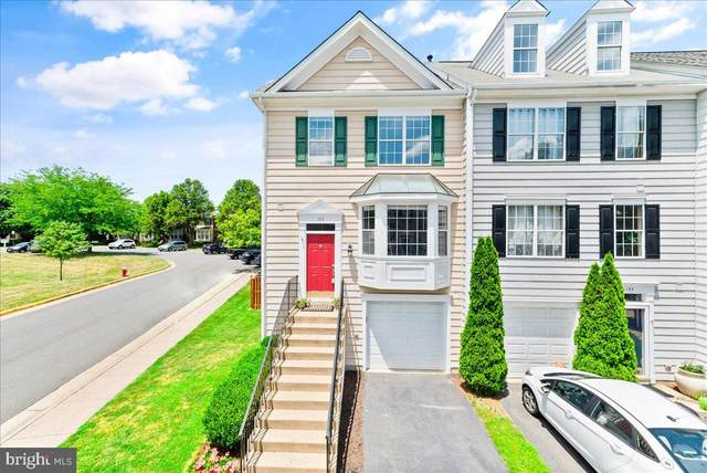 142 Hampshire Square SW, LEESBURG, VA 20175 (#VALO2000414) :: The Gold Standard Group