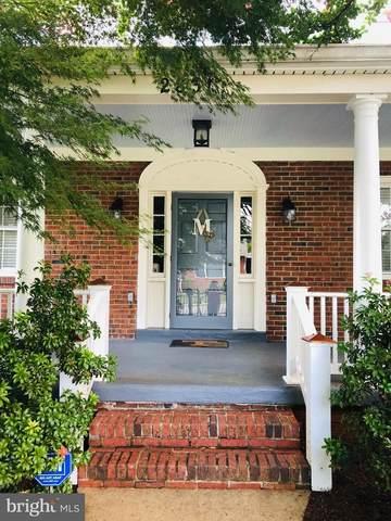 2831 Groveton Street, ALEXANDRIA, VA 22306 (#VAFX2000603) :: CENTURY 21 Core Partners