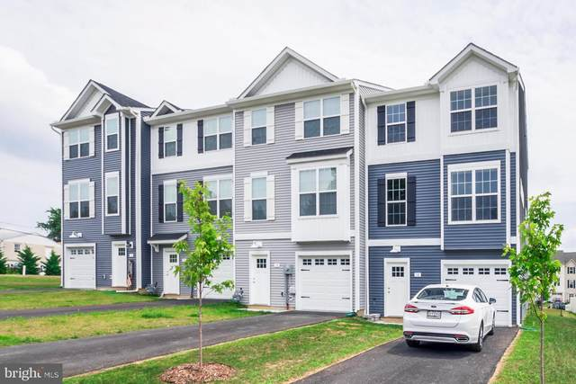 2 Pacer Drive, HANOVER, PA 17331 (#PAYK2000346) :: The Heather Neidlinger Team With Berkshire Hathaway HomeServices Homesale Realty