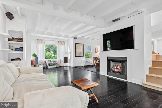 935 Park Place, MECHANICSBURG, PA 17055 (#PACB2000206) :: CENTURY 21 Home Advisors