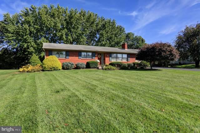 560 Meadowview Circle, GREENCASTLE, PA 17225 (#PAFL2000099) :: AJ Team Realty
