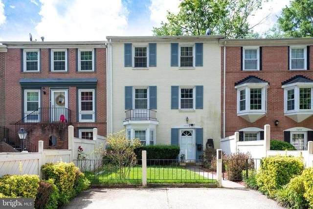 7973 Central Park Circle, ALEXANDRIA, VA 22309 (#VAFX2002334) :: Sunrise Home Sales Team of Mackintosh Inc Realtors