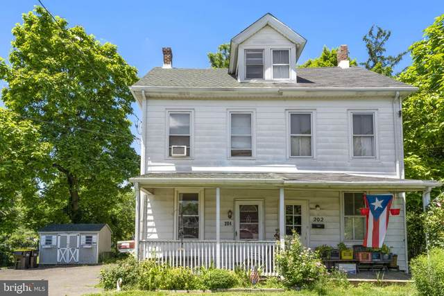 204 Elm Avenue, NORTH WALES, PA 19454 (#PAMC2001330) :: Linda Dale Real Estate Experts