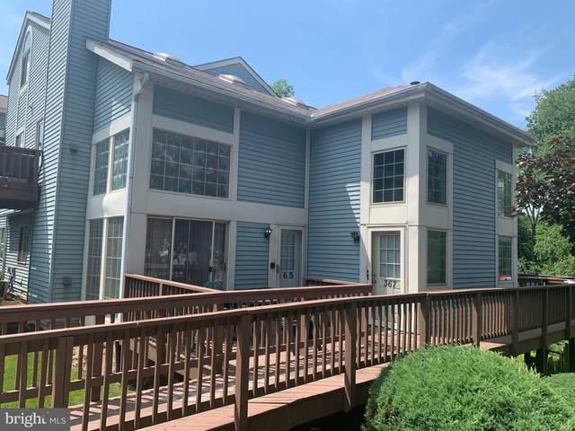 369 Green Meadow Lane, HORSHAM, PA 19044 (#PAMC2001366) :: Linda Dale Real Estate Experts