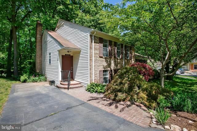 9988 Hemlock Woods Lane, BURKE, VA 22015 (#VAFX2002596) :: The Yellow Door Team