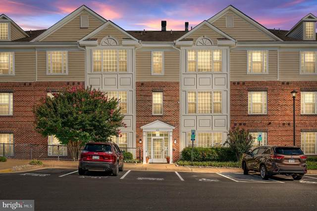 621-210 Cobblestone Boulevard #210, FREDERICKSBURG, VA 22401 (#VAFB2000082) :: Peter Knapp Realty Group