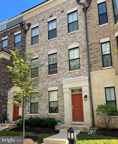 502 Silver Clipper Lane, OXON HILL, MD 20745 (#MDPG2001858) :: Peter Knapp Realty Group