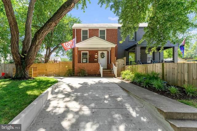 6017 Williamsburg Road, ALEXANDRIA, VA 22303 (#VAFX2004366) :: Sunrise Home Sales Team of Mackintosh Inc Realtors