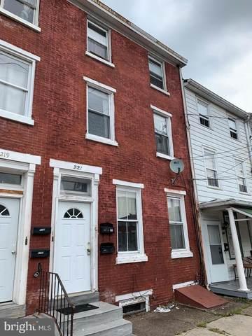 221 E Broad Street, BURLINGTON, NJ 08016 (#NJBL2001422) :: Linda Dale Real Estate Experts