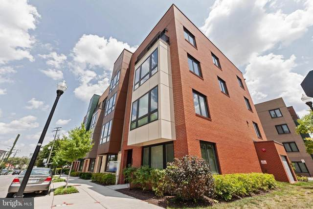 110 S Pickett Street #102, ALEXANDRIA, VA 22304 (#VAAX2001008) :: Debbie Dogrul Associates - Long and Foster Real Estate
