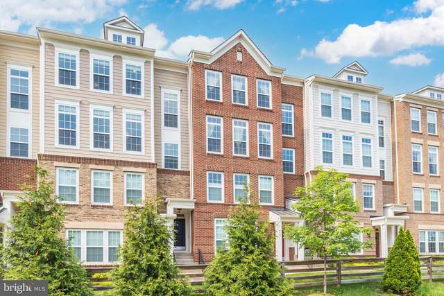 43429 Town Gate Square, CHANTILLY, VA 20152 (#VALO2002562) :: Peter Knapp Realty Group