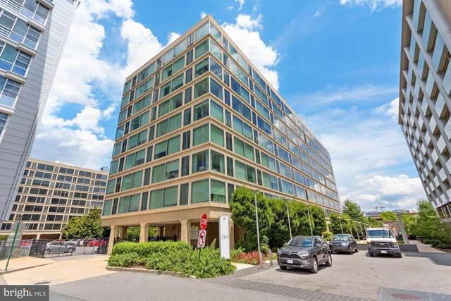 1101 3RD Street SW #712, WASHINGTON, DC 20024 (#DCDC2003890) :: City Smart Living