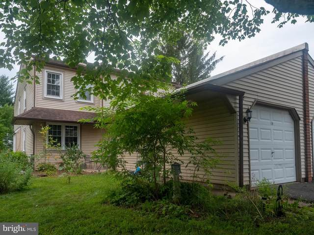 10 Stacey Drive, DOYLESTOWN, PA 18901 (#PABU2002490) :: Keller Williams Realty - Matt Fetick Team