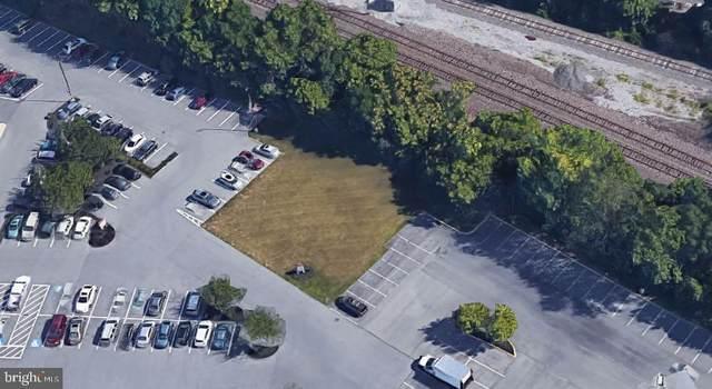 806 Plaza Boulevard, LANCASTER, PA 17603 (#PALA2001602) :: Shamrock Realty Group, Inc