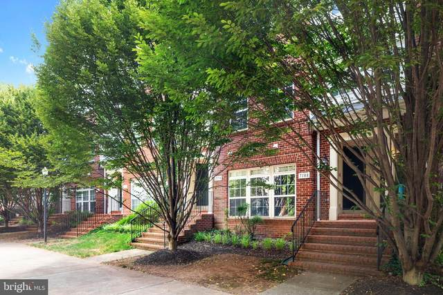 7188 Little Thames Drive, GAINESVILLE, VA 20155 (#VAPW2002766) :: Debbie Dogrul Associates - Long and Foster Real Estate