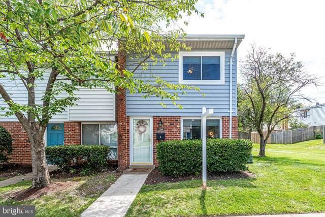 2219 Huston Place, HERNDON, VA 20170 (#VAFX2007316) :: Debbie Dogrul Associates - Long and Foster Real Estate