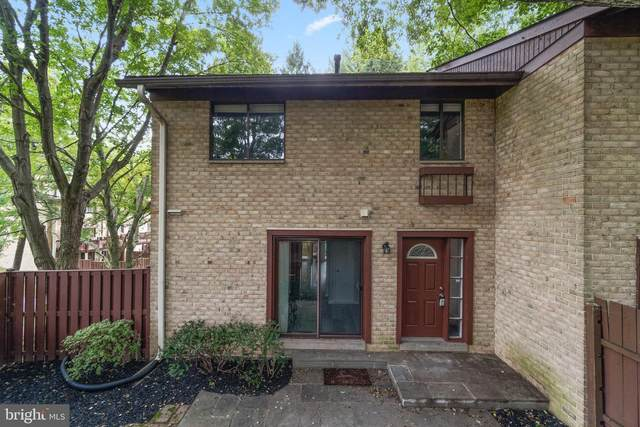 9245 Hobnail Court, COLUMBIA, MD 21045 (#MDHW2001918) :: The Vashist Group