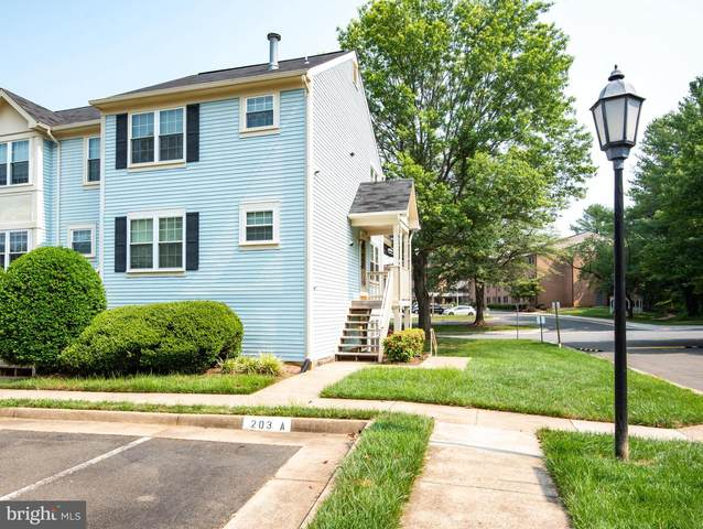203-A Fernwood Place, WARRENTON, VA 20186 (#VAFQ2000532) :: Colgan Real Estate