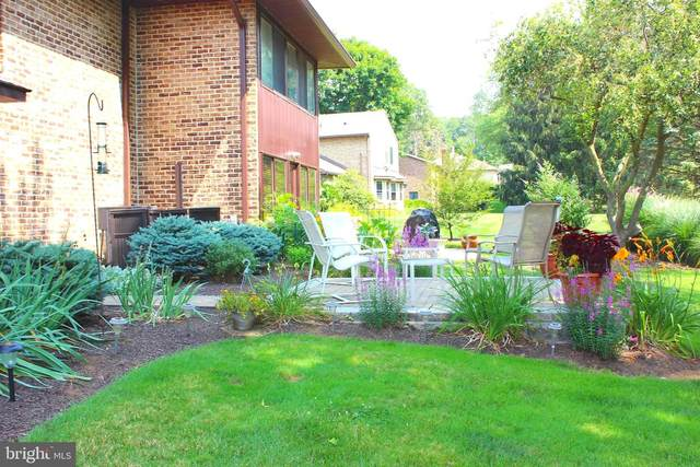 5860 Fairway Drive W, FAYETTEVILLE, PA 17222 (#PAFL2000970) :: The Vashist Group